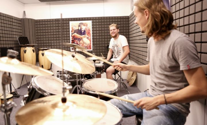 New video about School Of Rock Basel